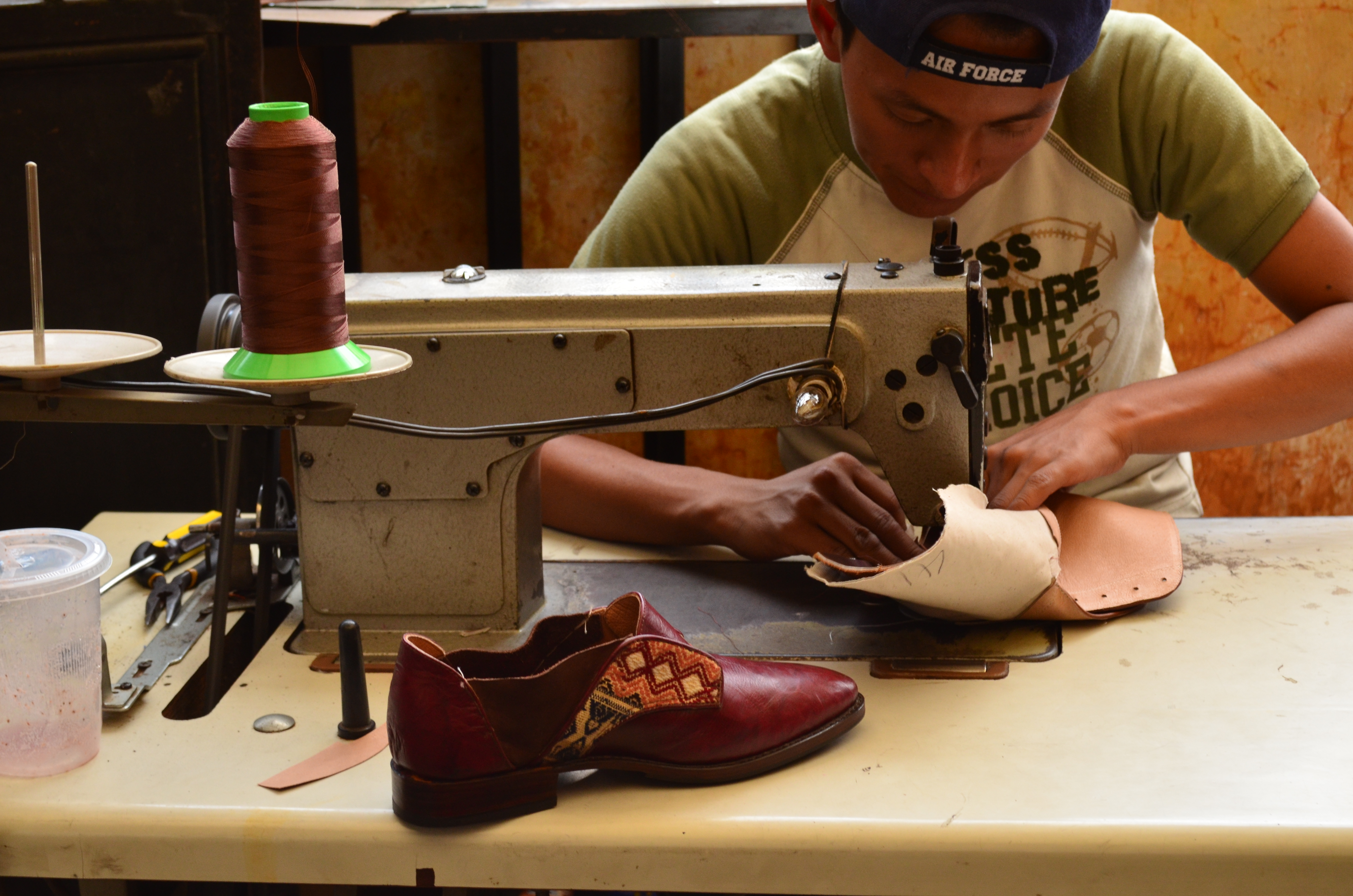 process of shoe manufacturing We make the shoe manufacturing process more seamless and affordable than working with manufacturers overseas click here to learn more : defender®with scotchgard.